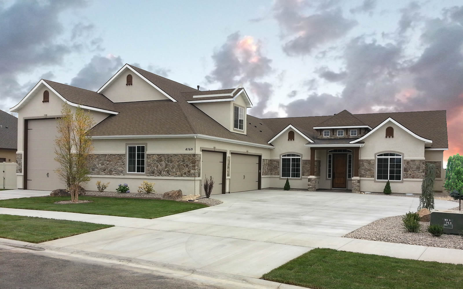 Arlington Floor Plan With Rv Bay Amyx Signature Homes